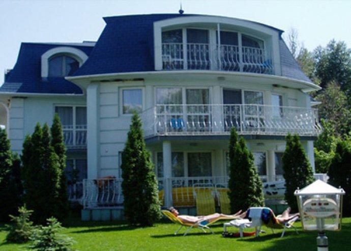 Töltődj fel Zamárdiban! 3 nap, 2 éj 2 főre + 1 gyerekre félpanzióval, saját stranddal, stéggel, medencével