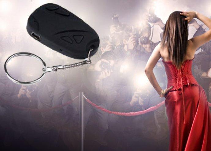 Egyedülállóan hasznos kütyü - pillekönnyű, egyszerűen használható, rejtett HD kamerás kulcstartó