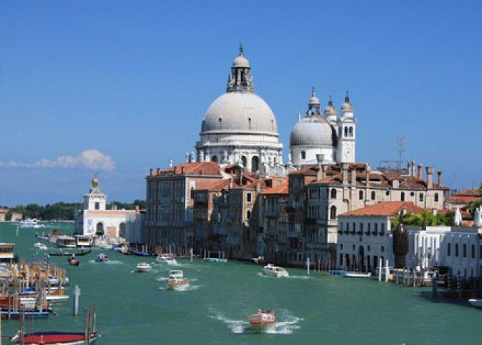 3 nap 2 éj tengerparti romantika Velencében, 2 fő részére, standard szobában, bőséges reggelivel