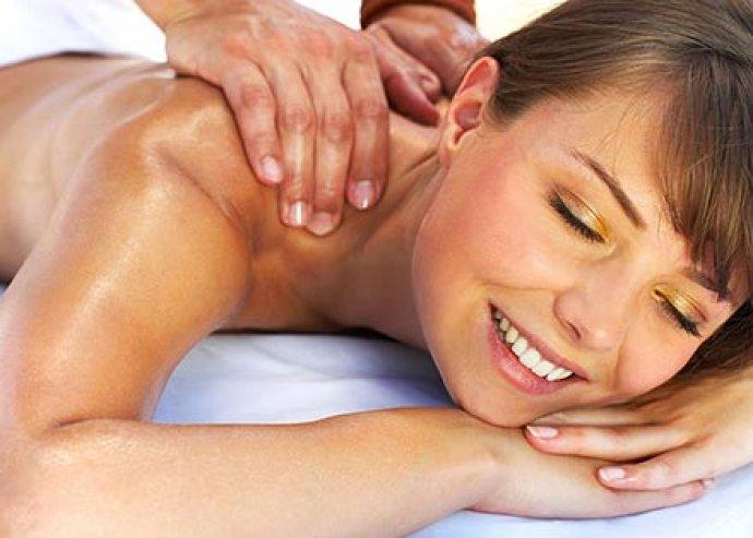 60 perces nyári izomlazító gyógymasszázs az egész testeden, hogy ellazultan kezdjed a nyaralást!