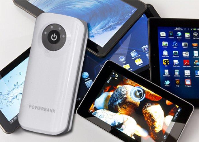 Hordozható, univerzális külső akkumulátor, 4 különböző töltőfejjel, mobilhoz/ tablethez/ GPS-hez