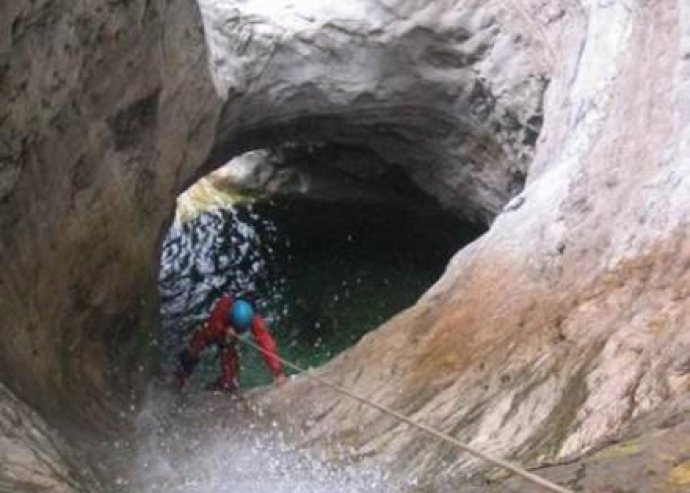 Extrém Canyoning VAGY Barlang túra, VAGY akár mindkettő Szlovéniában!