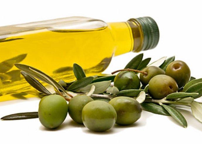 A konyha sztárja - praktikus, gyorsan, könnyen és kényelmesen használható olívabogyó- és meggymagozó