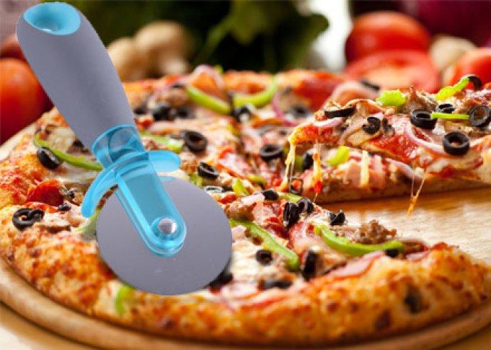 Hasznos eszköz a konyhában - kiváló minőségű, rozsdamentes, nemesacélból készült Peterhof pizzavágó