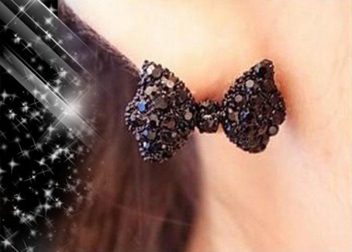 Pompás különlegesség - egyedülállóan trendi, elegáns, divatos, fekete Pillangó Bow női fülbevaló
