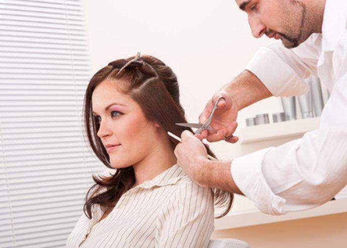 Varázsold újjá frizurádat! Hajvágás, mosás és szárítás!