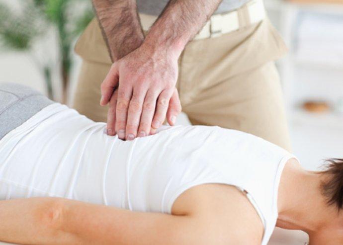 Legyen helyes testtartásod! Hatékony manuális és gépi gerinckorrekció 50 percben, alapozó masszázzsal