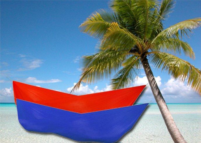 Pihenj kényelmesen! Bárhova felhelyezhető, nagyon masszív, nagyméretű függőágy piros vagy kék színben