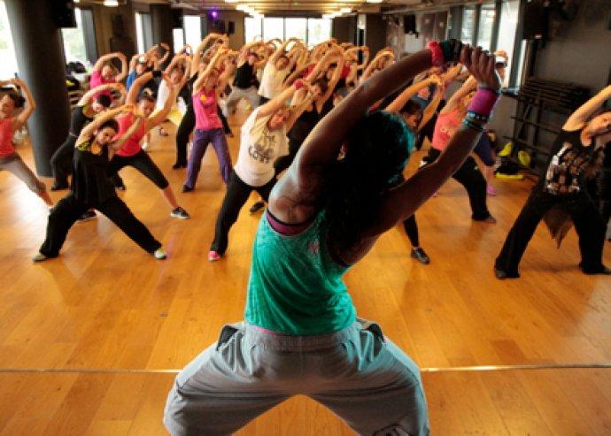 5 alkalmas Zumba bérlet, amely 6 helyszínen beváltható. Táncolj és fogyj könnyedén a Dance 4 Fun Stúdióiban!