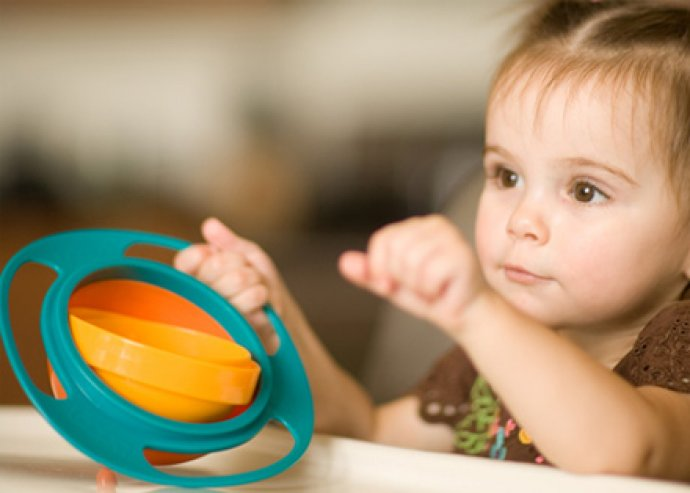 Gyro Bowl- kiboríthatatlan gyerektál, bukfenctál, mágikus bébi tányér, fedővel, vidám, élénk színben