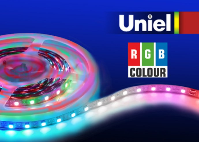 Fehér vagy színes 5 m-es LED szalagok adapterrel