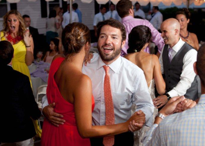 Mulatságra fel! Szüreti táncos est welcome drinkkel, tombolasorsolással, egész estés élőzenével