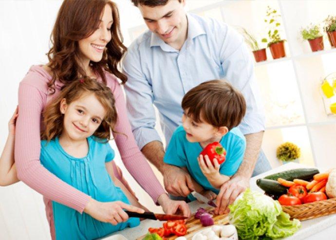 Bármilyen edényhez használható, hőálló konyhai eszközök: merőkanál, tálaló kanál, forgató lapát, tésztakiszedő