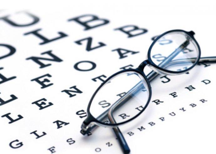 optikusok látásvizsgálattal