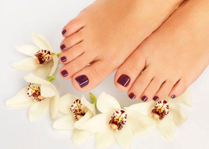 Őszi wellness lábápolás! 1 órás gyógypedikűr + 20 perces kényeztető lábmasszázs mindkét lábra