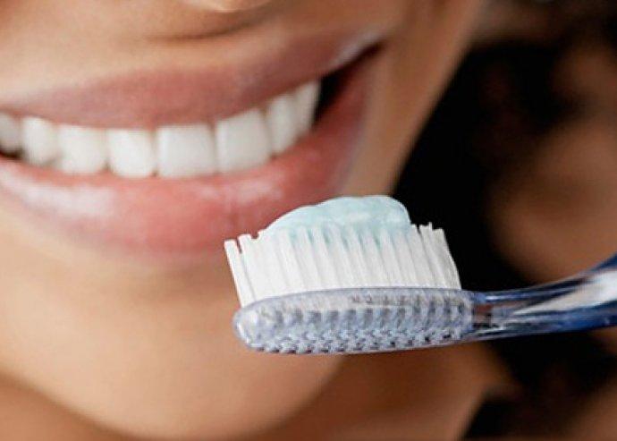 3 db Crest fogfehérítő fogkrém, fluorid tartalmú és fehérítő hatású, megelőzi a fogszuvasodást