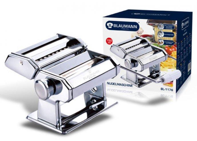 Tésztakészítő gép, szénacélból, 9 különböző tésztaszélességet vág, 2 vágóbetét, asztalhoz rögzíthető