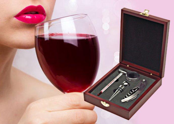 4 részes bor szett fa dobozban, borhőmérővel, cseppfogó gyűrűvel, bordugóval és bornyitóval