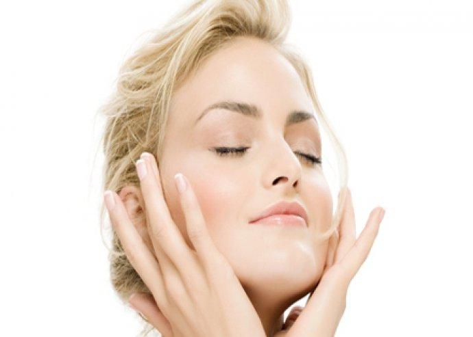 Mikrodermabráziós kezelés arcmasszázzsal, az egészséges tiszta bőrért