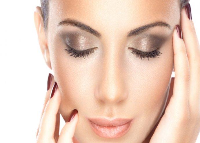 Gyémántfejes mikrodermabráziós bőrcsiszolás + Hyaluronsavas ultrahangos ráncfeltöltő kozmetikai kezelés