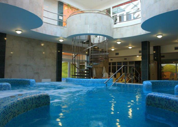 Hotel Vital**** Zalakaroson mindössze 9.500 Ft/fő/éj áron félpanzióval