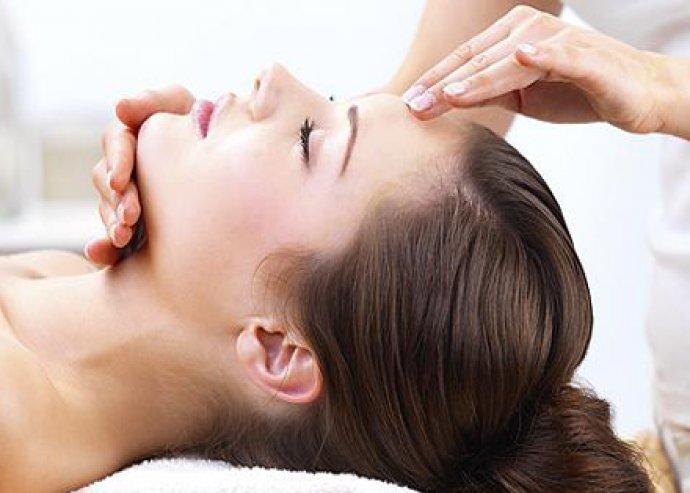 Tavaszi arctisztító kezelés + arc-, nyak-, dekoltázs masszázs