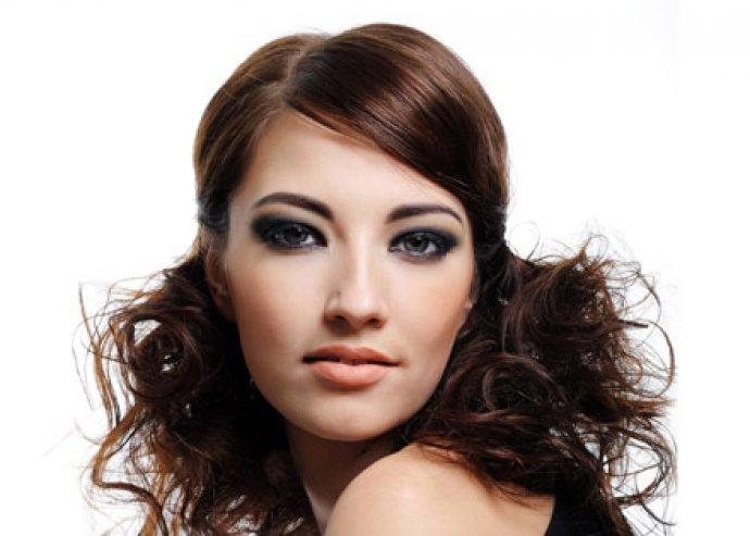 Melír vagy dauer vagy festés féláron, ha unod a hajszíned