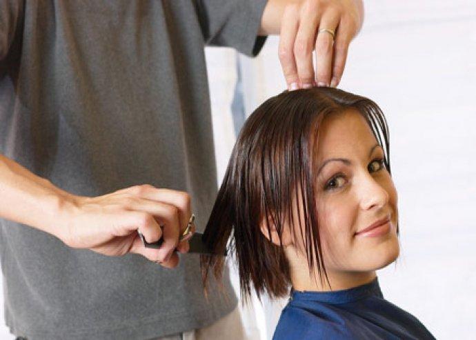 Hajvágás ajándék tejproteines keratinos hajpakolással
