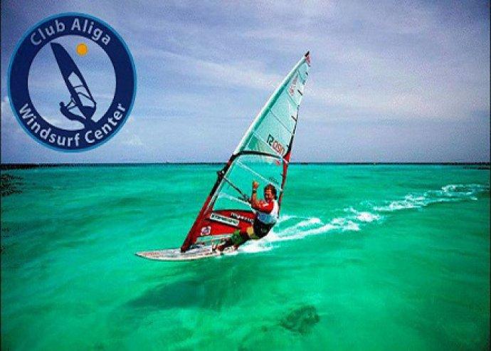 2 óra szörf oktatás + 1 óra ajándék szörf bérlés
