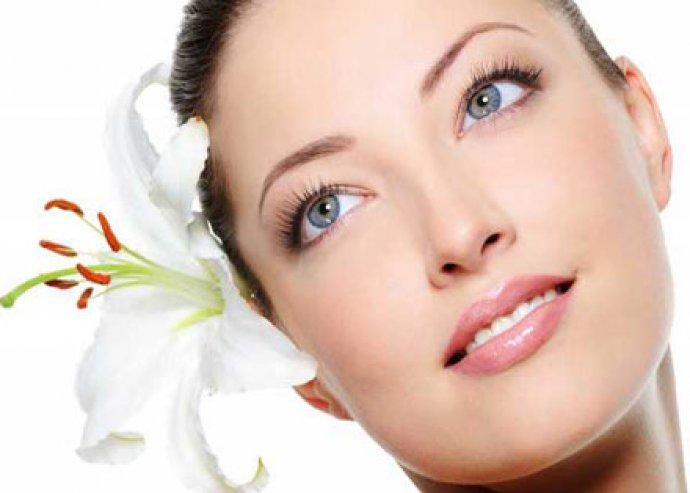 Mikrodermabráziós kezelés arcmasszázzsal