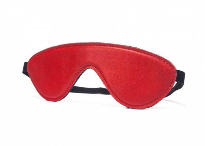 Piros szemkötő