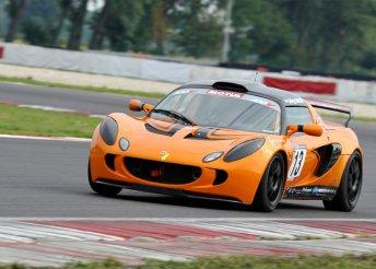 Élményvezetés Lotus Exige versenyautóval