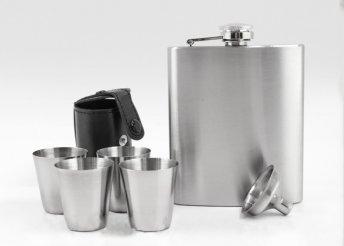 Választható 3 dl-es vagy 5 dl-es flaska szett 4 darab pohárral, igényes dobozba csomagolva