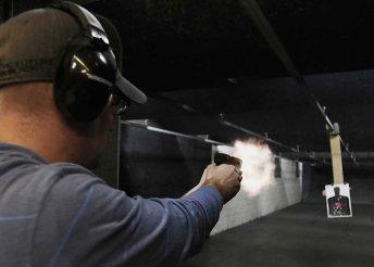 60 lövés 9 mm-es fegyverrel
