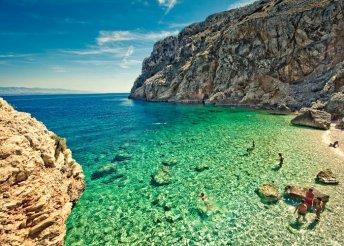 Csobbanás az Adriai-tengerben Krk-szigetnél