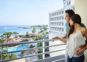 2-fős kellemes relax 4*-os hotelben, Cipruson, félpanzióval és repülőjeggyel