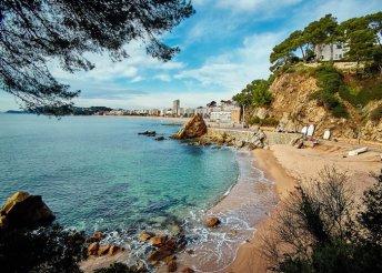 Strandolás a Földközi-tengernél Costa Braván