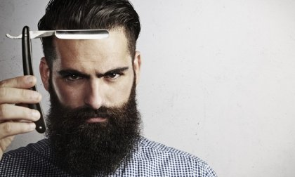 Férfi hajvágás, fejmasszázs, szakálligazítás