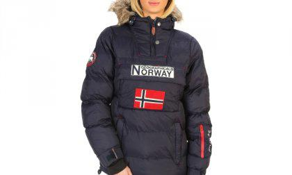 Geographical Norway dzseki Anson_woman_navy