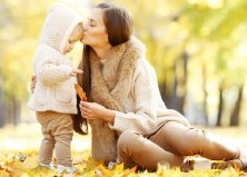 Őszi baba-mama fotózás választott helyszínen